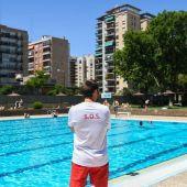 El Ayuntamiento de Zaragoza reforzará la presencia de socorristas y personal de mantenimiento en las piscinas municipales.