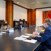 En el encuentro entre DGA y Ayuntamiento, la consejera municipal Carmen Herrarte planteó una aportación máximas de 3,5 millones