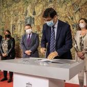 José Manuel Caballero ha firmado el convenio de colaboración con la Junta