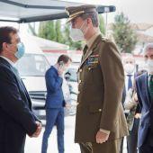 Su Majestad el Rey Felipe VI conoce las instalaciones del cuartel de la Guardia Civil y es recibido por autoridades y cientos de vecinos