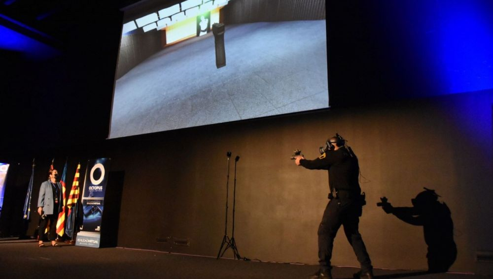 Presentación del simulador en el centro de congresos de Elche.