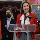 Reyes Maroto en el Ayuntamiento de Alcalá de Henares