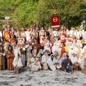 Los participantes posan tras la escenificación