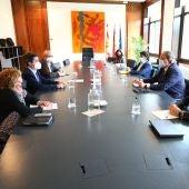 Representantes del Ayuntamiento de Huesca y Gobierno de Aragón en la reunión de hoy
