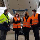 El Secretario de Estado de Política Territorial y Función Pública en su visita al aeropuerto