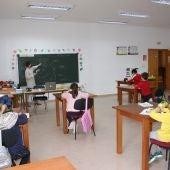 Unos 110 niños y adultos mejoran su inglés en la Escuela Municipal de Idiomas