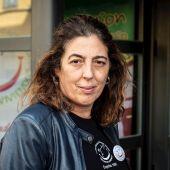 """La portavoz de la plataforma de afectados por la colza """"Seguimos viviendo"""", Carmen Cortés, posa en Madrid."""