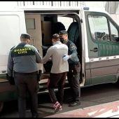 La Guardia Civil detiene a cuatro delincuentes minutos después de maniatar y robar a una mujer