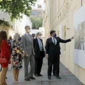 El alcalde muestra al rey los proyectos para el entorno de Las Cigarreras