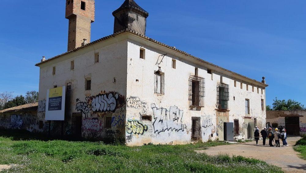 El Ayuntamiento invertirá cien mil euros en la intervención arqueológica previa a la restauración de la Alquería de Falcó