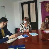 Instantes de la reunión en el Ayuntamiento de Puerto Real