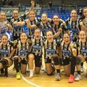 La plantilla del Rincón Fertilidad celebra su pase a la final de la copa EHF