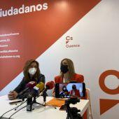 Cristina Elena Fuentes y Carmen Picazo, este viernes en la inauguración de la nueva sede en la calle Hermanos Valdés
