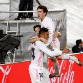 El Real Madrid gana al Osasuna por dos goles