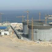 Regasificadora de Enagás en el puerto gijonés de El Musel