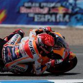 Marc Márquez en los entrenamientos libres de la categoría de MotoGP del Gran Premio Red Bull de España