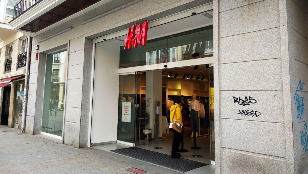 Los trabajadores de H&M se movilizan contra lso cierres, despidos y modificaciones de las condiciones de trabajo
