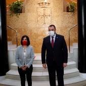 Carolina Darias y Adrián Barbón, en la sede de Presidencia, esta mañana.