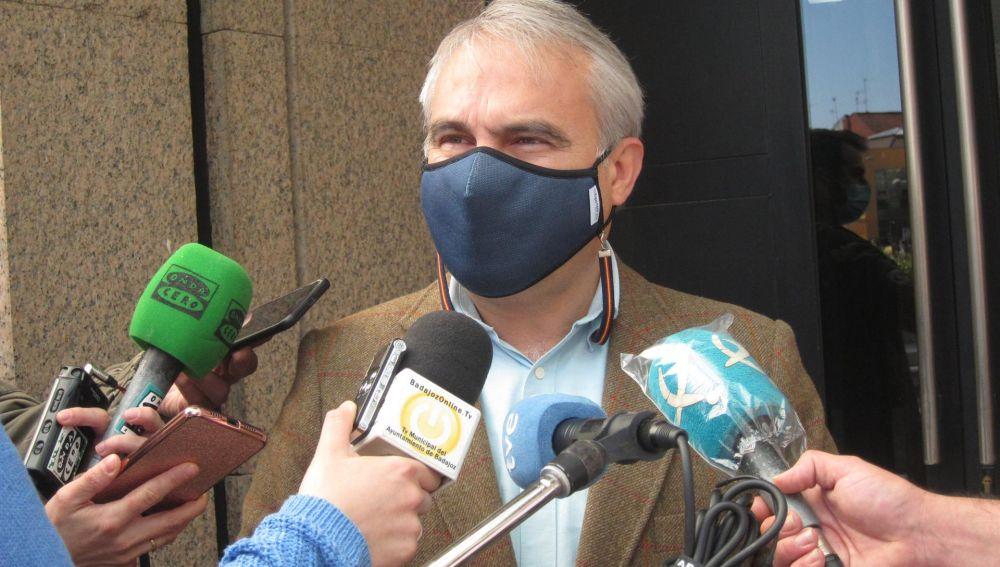 El Alcalde de Badajoz, Francisco Javier Fragoso pide a las administraciones no poner cortapisas y prudencia en la desescalada