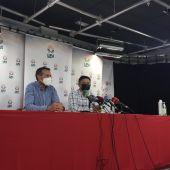 Alejandro García, responsable del sector del vino en UPA, y Julián Morcillo, secretario general de UPA CLM