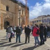 Hosteleros reunidos en la Plaza de España de Valdepeñas