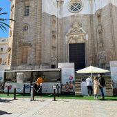 Stand de la Junta de Andalucía en el centro de Cádiz