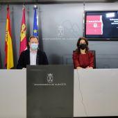 El alcalde, Vicente Casañ, y la concejal de Emprendimiento e Innovación, Laura Avellaneda, en la presentación de las ayudas.