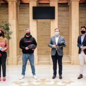 Un casco 'inteligente' de Albacete se hace con el Premio AXA innovación y Desarrollo en Seguridad Vial