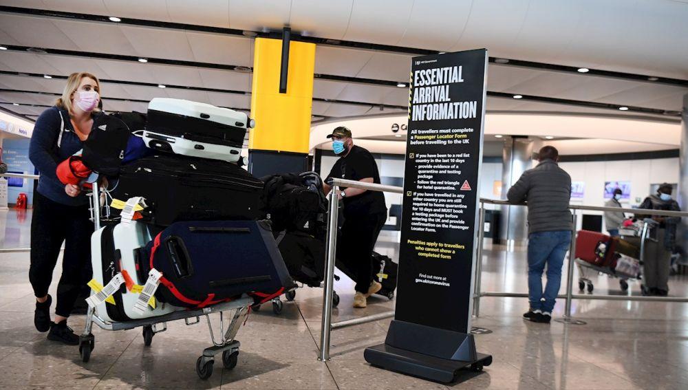 Reino Unido encierra y expulsa a dos españolas que viajaron para una entrevista de trabajo
