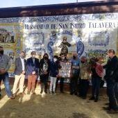 Emotivo homenaje del grupo Garvín a la Hermandad de San Isidro