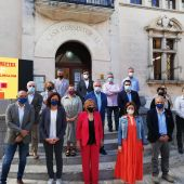 La consellera de Presidencia, Función Pública e Igualdad, Mercedes Garrido, la presidenta del Consell de Mallorca, Catalina Cladera y la alcaldesa de Alcúdia, Bàrbara Rebassa, tras la firma de los convenios de colaboración.