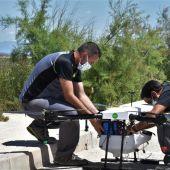 Elche suma un dron, una zodiac y un quad a la lucha contra las plagas de mosquitos