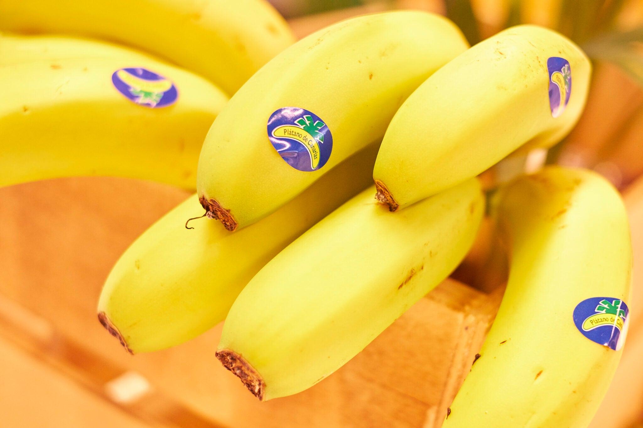 El Especialista: El plátano de Canarias, la pieza clave para la dieta veraniega
