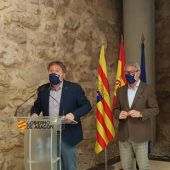 El consejero y el director general durante la presentación del nuevo mapa en la Sala de la Muralla