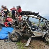 Dos heridos por el vuelco de un buggy en una pista foresta de Mieres