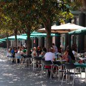 Los hosteleros de Zaragoza aclaran que no se hacen de oro con las terrazas ya que muchos clientes pasan horas sentados con una consumición.