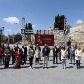 """Concejales del Ayuntamiento, el alcalde, representantes empresariales y de los sectores afectados, han participado en la presentación de """"Volveremos"""""""