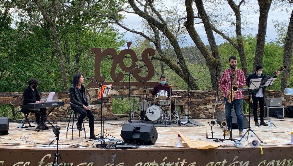 Xela Arias, na Insua dos Poetas, feita jazz e palabra