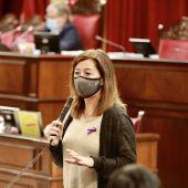 La Presidenta del Govern, Francina Armengol, en el pleno parlamentario.