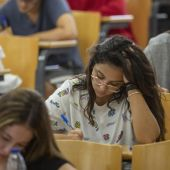 Imagen de archivo de estudiantes de la Universidad de Sevilla