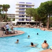 El sector turístic espera l'arribada de visitants estrangers aquest  estiu per revitalitzar la indústria