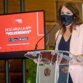 La consejera de Economía del Ayuntamiento de Zaragoza, Carmen Herrarte, durante la presentación de la primera edición de 'Volveremos'