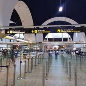 Imagen de archivo del interior del Aeropuerto de Sevilla