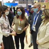 La Ministra de Turismo Reyes Maroto visitando la delegación de Baleares en FITUR.