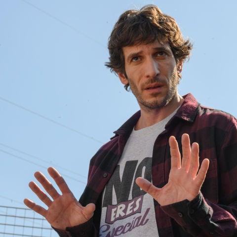 El actor Quim Gutiérrez, caracterizado como Javier en la segunda temporada de la serie 'El vecino'