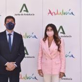 Juan Marín y Nuria Rodríguez, delegada territorial de Turismo en Málaga.