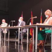 El secretario autonómico para la Unión Europea y Relaciones Externas, Joan Calabuig, trata con la colonia británica sanfulgentina las posibles consecuencias en sus condiciones de residencia