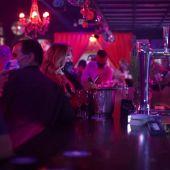 Sin distancia de seguridad y en discotecas: el experimento de Sitges para reabrir el ocio nocturno