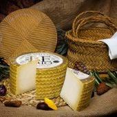 Juzgan a un ganadero por estafar a una quesera a la que vendía la leche