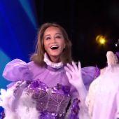 Así fue la actuación de Isabel Preysler disfrazada de Gatita cantando Wannabe de Abba en Mask Singer